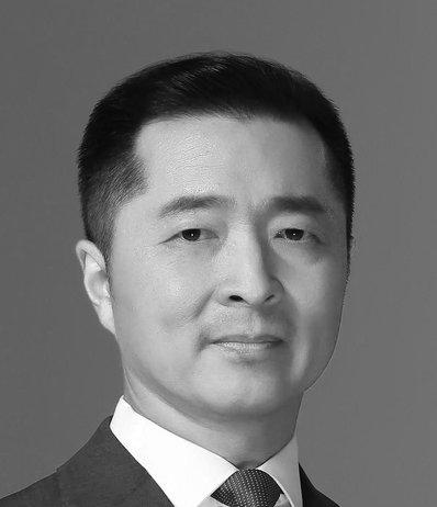 Qing Pan Head Shot